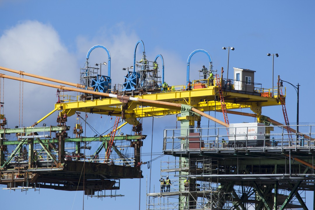 Lifting gantry awaits the new D1 section.